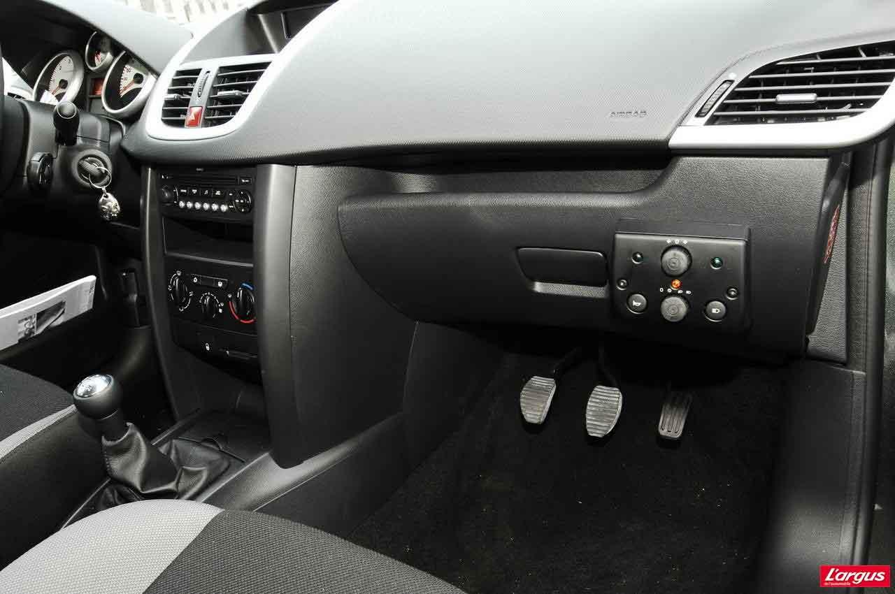 4drive auto cole nouvelle g n ration pour permis b de conduire. Black Bedroom Furniture Sets. Home Design Ideas